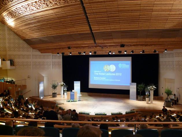 Aula Magna in der Universität Stockholm wenige Minuten vor dem Beginn der Vorlesungen.